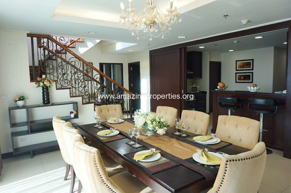 4 bedroom Penthouse Piyathip Place-21