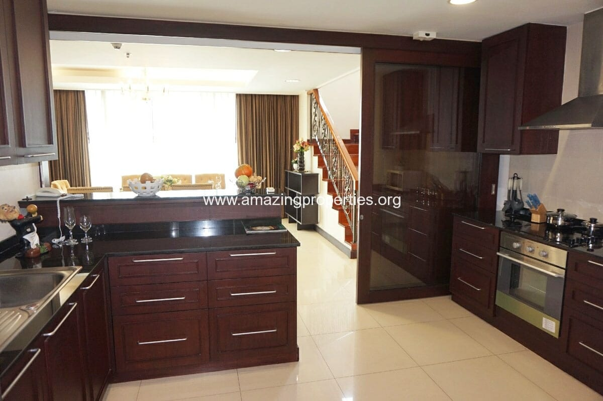 4 bedroom Penthouse Piyathip Place-4