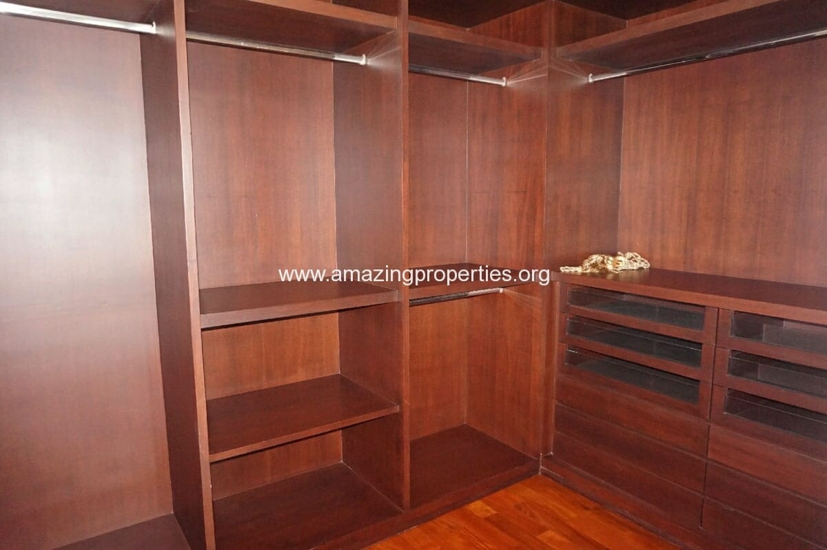 4 bedroom Penthouse Piyathip Place-7