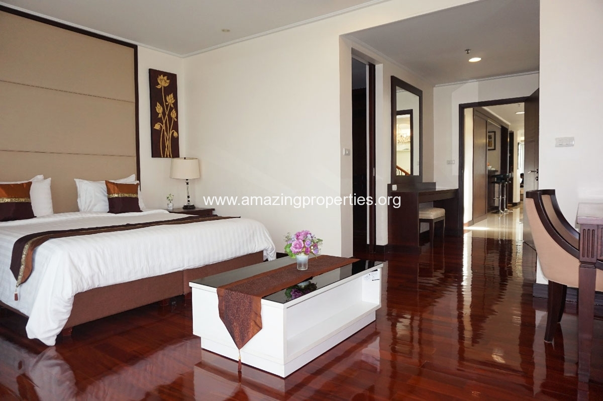 4 bedroom Penthouse Piyathip Place-8