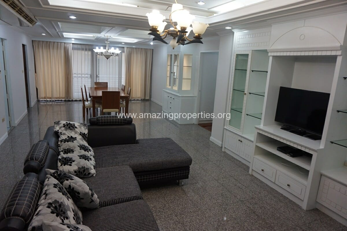 2 bedroom Mitr Mansion