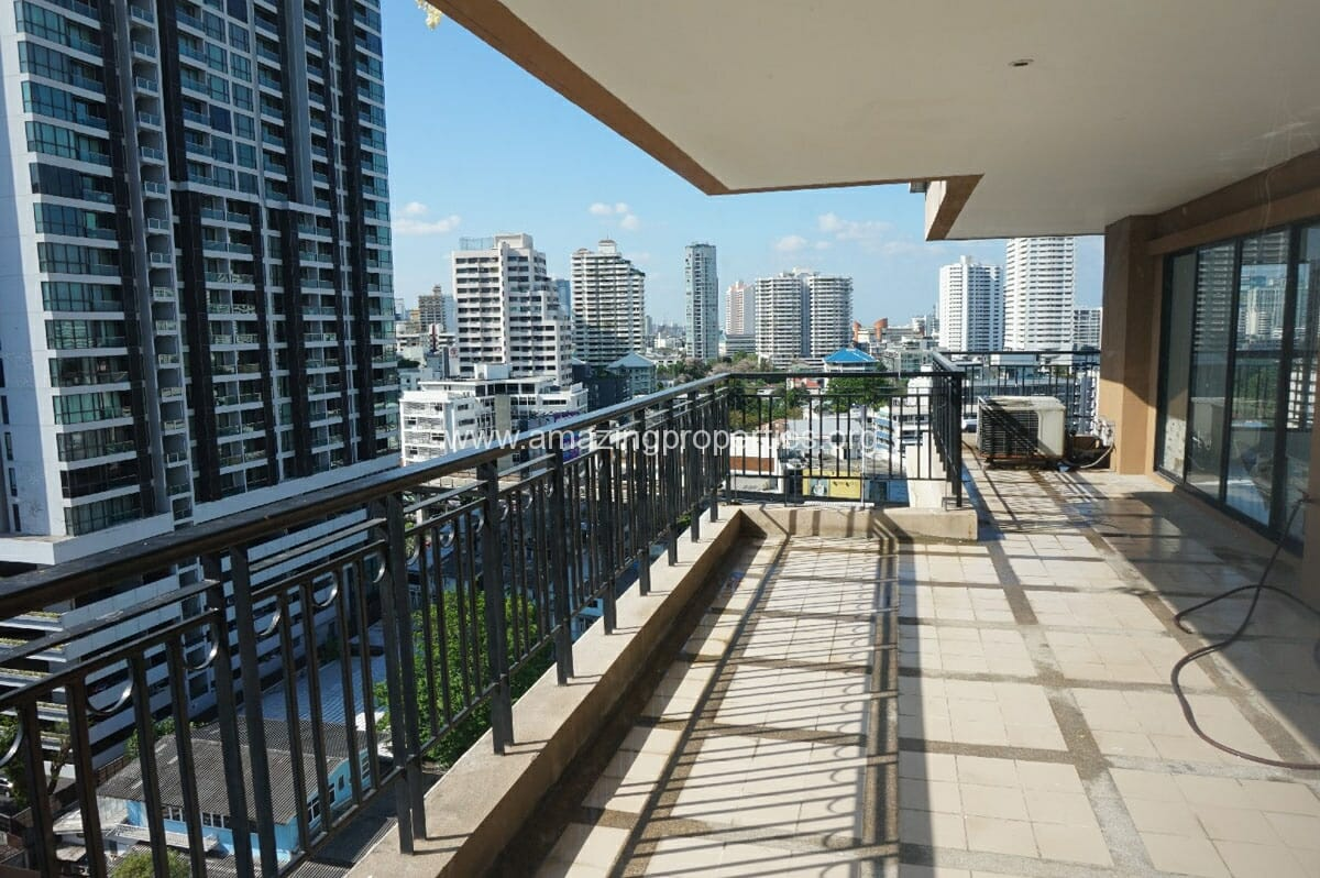 3 Bedroom Apartment for Rent at TBI Tower