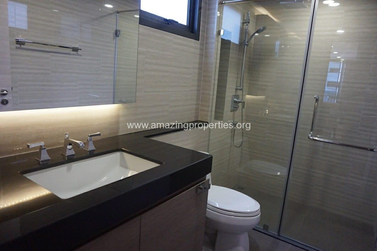 2 Bedroom Klass Condo Langsuan-10
