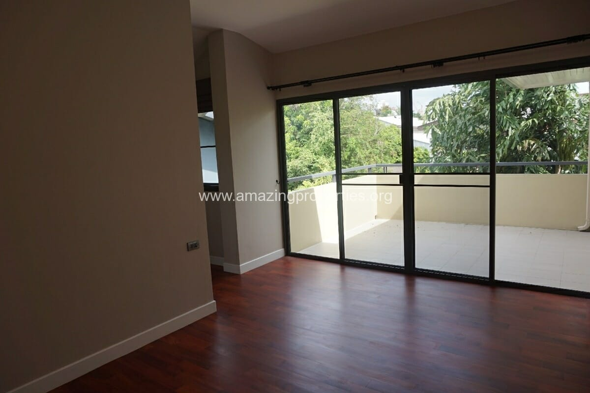 5 Bedroom House Phrom Phong-11