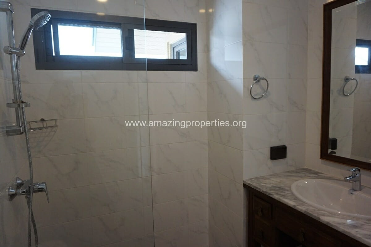 5 Bedroom House Phrom Phong-13