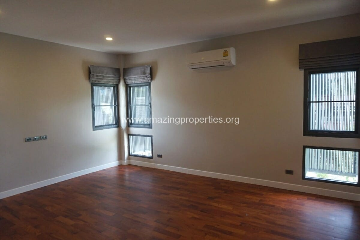 5 Bedroom House Phrom Phong-17