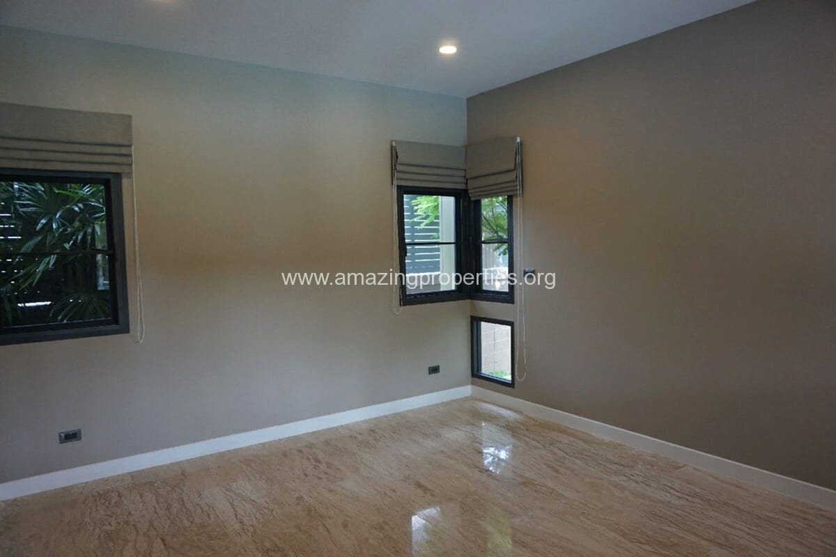 5 Bedroom House Phrom Phong-5