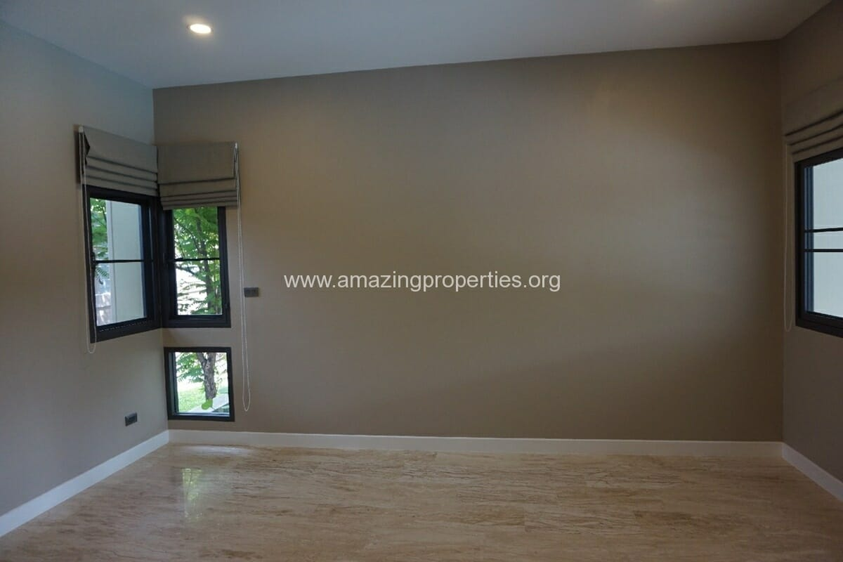 5 Bedroom House Phrom Phong-7