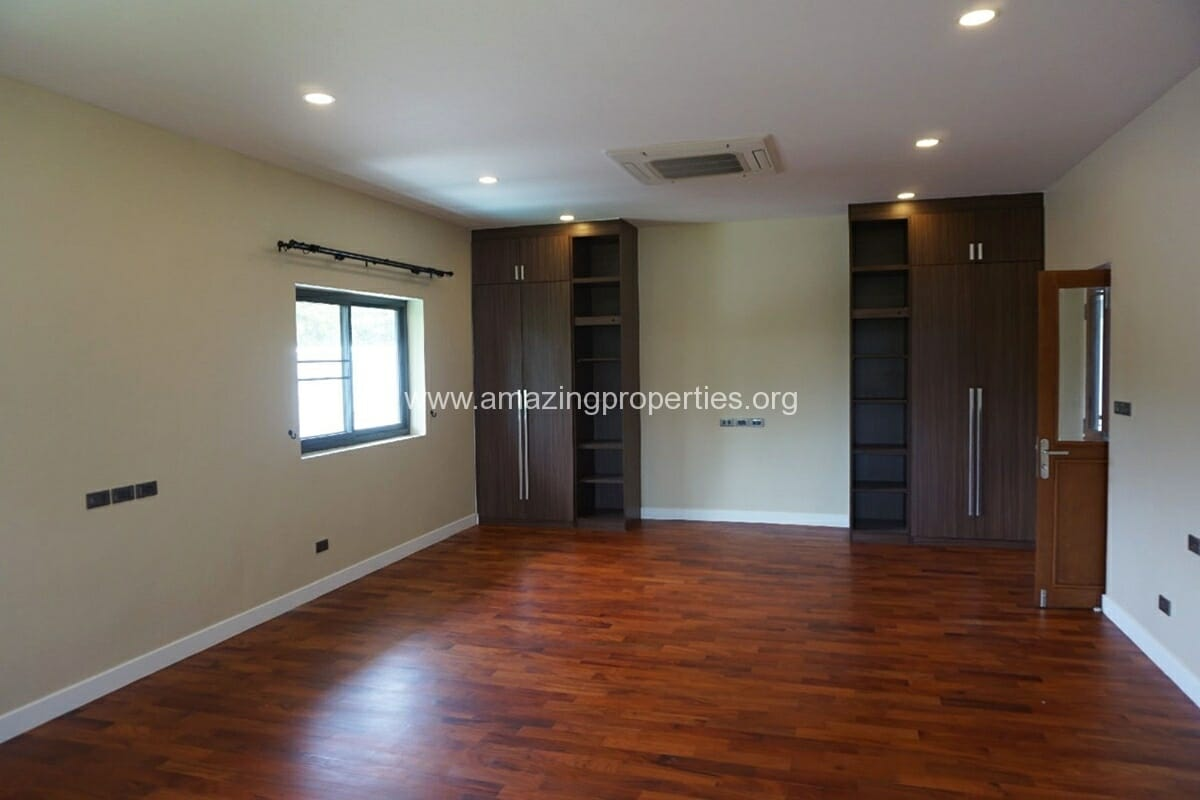 5 Bedroom House Phrom Phong-9