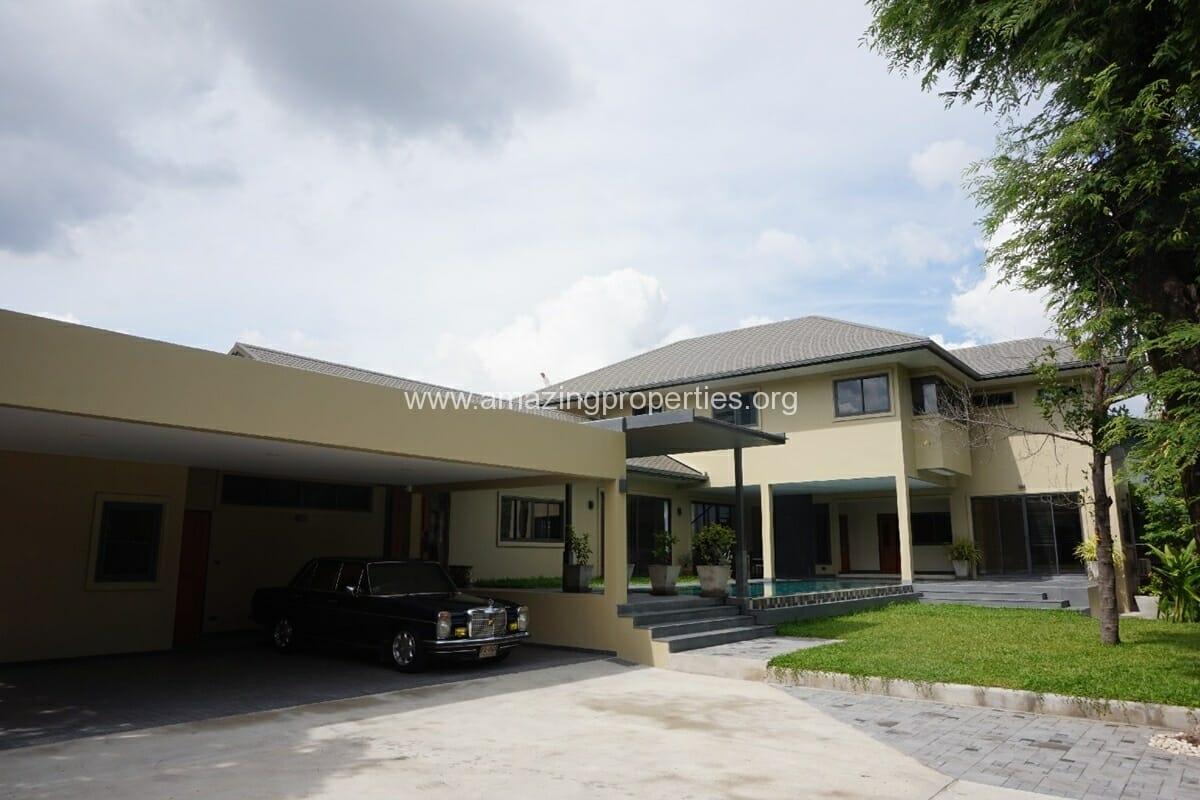 5 Bedroom House Phrom Phong
