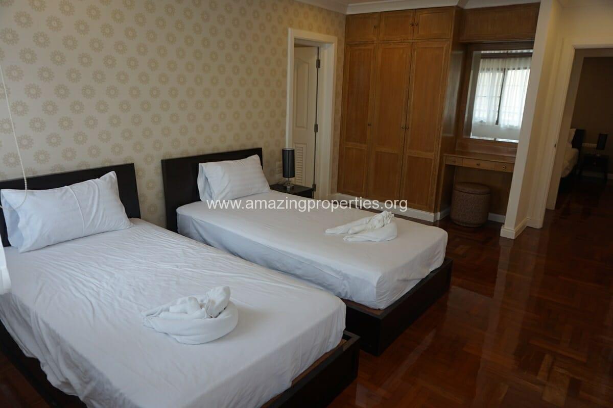 Baan sawasdee 3 bedroom duplex 23 amazing properties for Three bedroom duplex