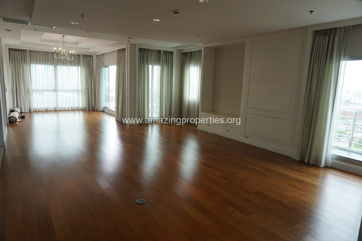5 Bedroom Penthouse Ploenchit