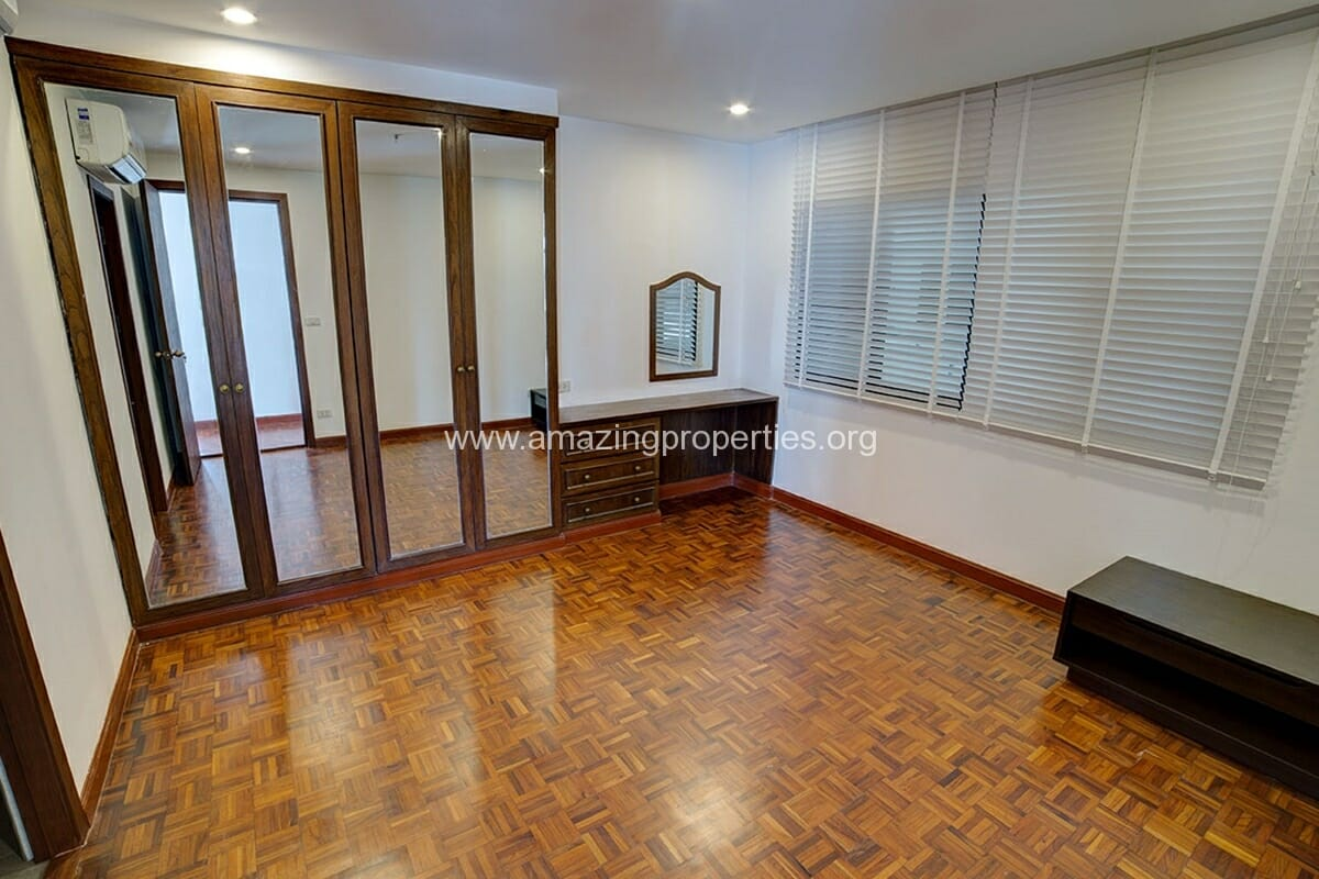 Baan Phrom Phong 2 Bedroom-4