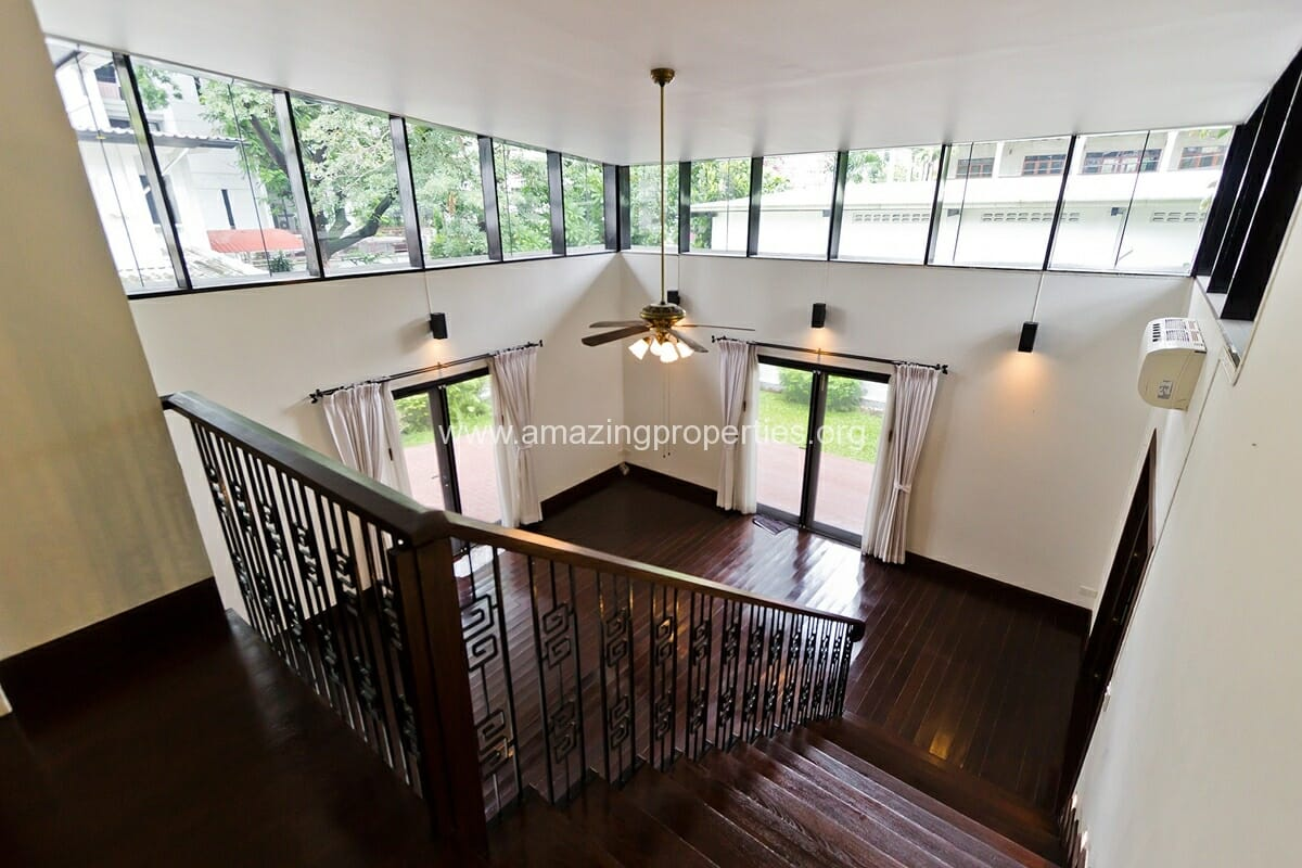 Unfurnished Phrom Phong House with Garden