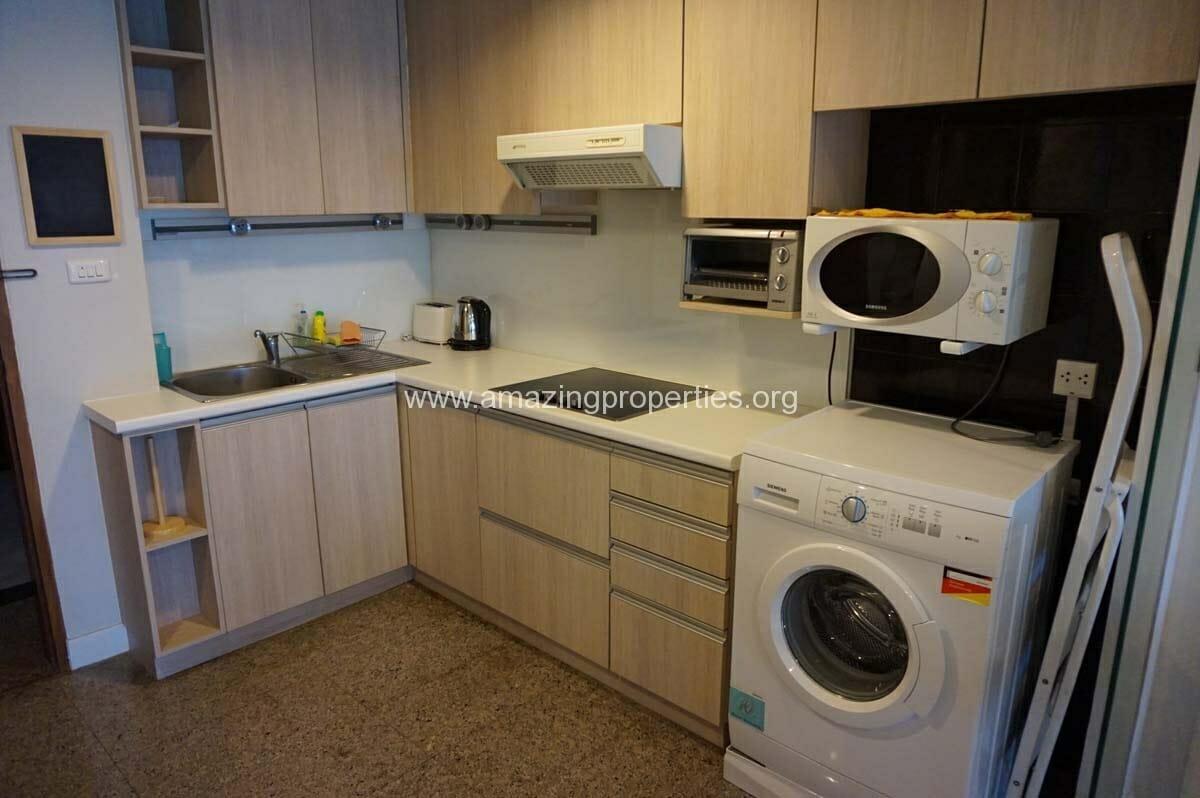 1 Bedroom Lake Avenue Condominium