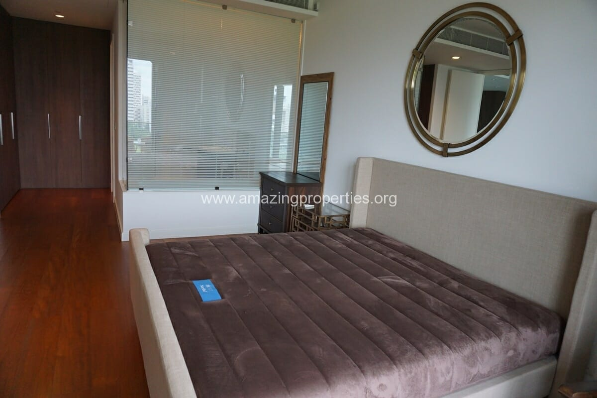 185 Rajdamri 2 bedroom condo for Rent (21)