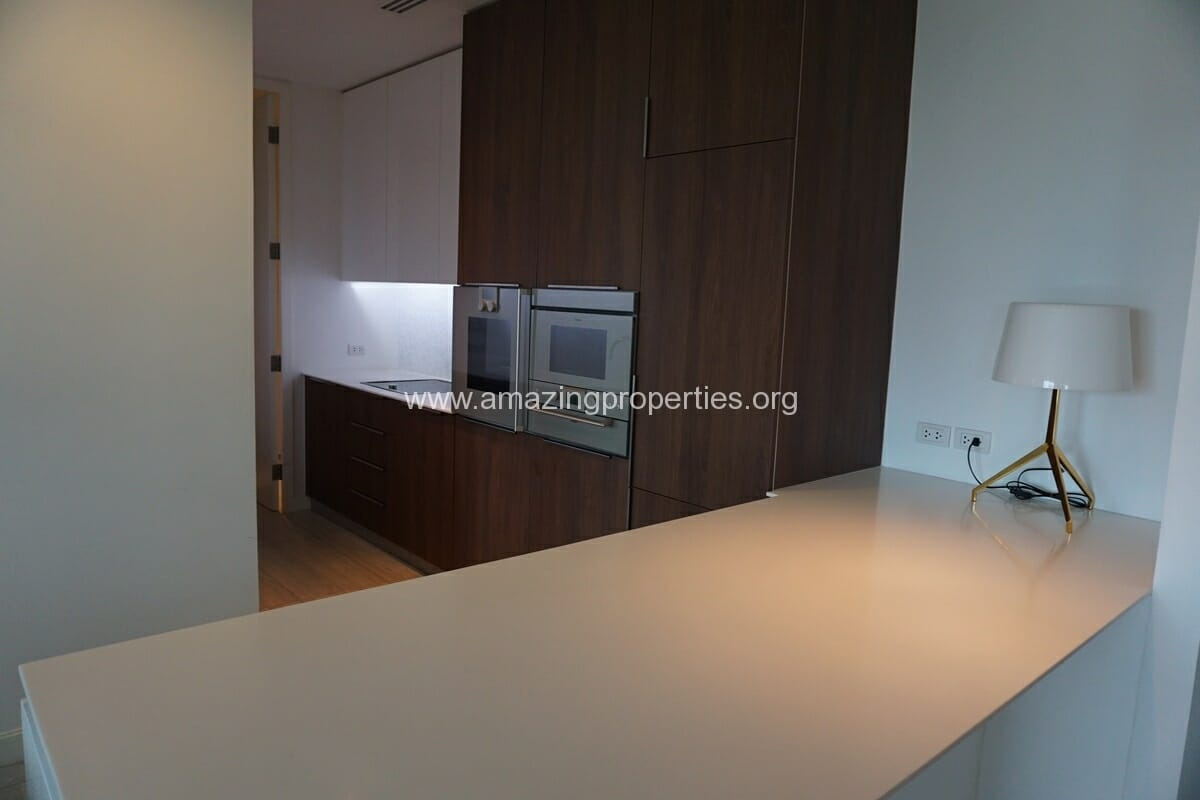 185 Rajdamri 2 bedroom condo for Rent (4)