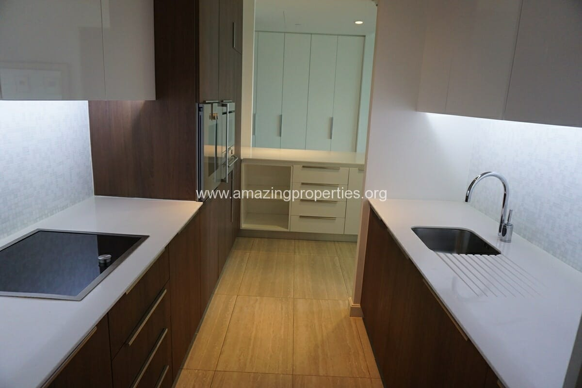 185 Rajdamri 2 bedroom condo for Rent (6)