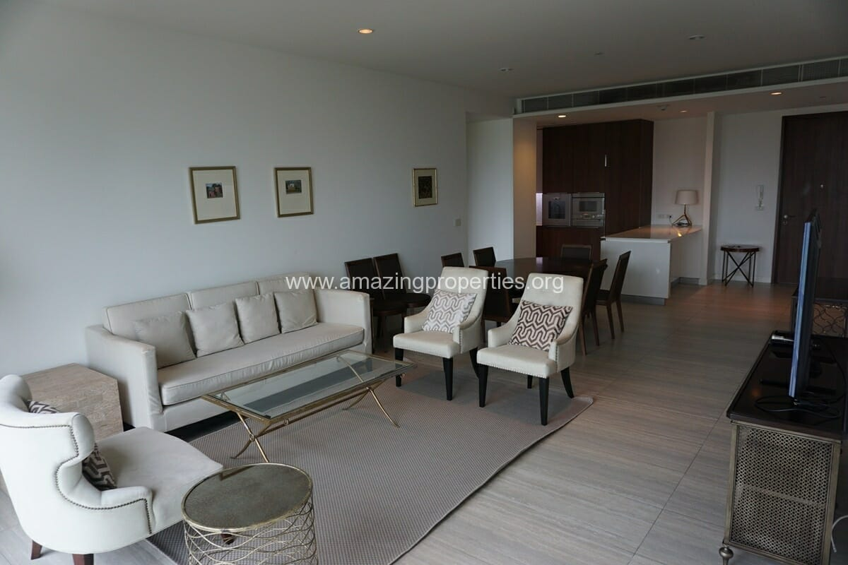 185 Rajdamri 2 bedroom condo for Rent