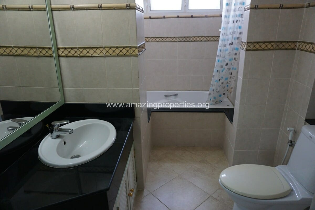 2 Bedroom Apartment SCC Residence-8