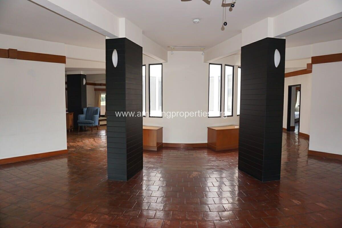 4 Bedroom Apartment Siri Apartment (2)