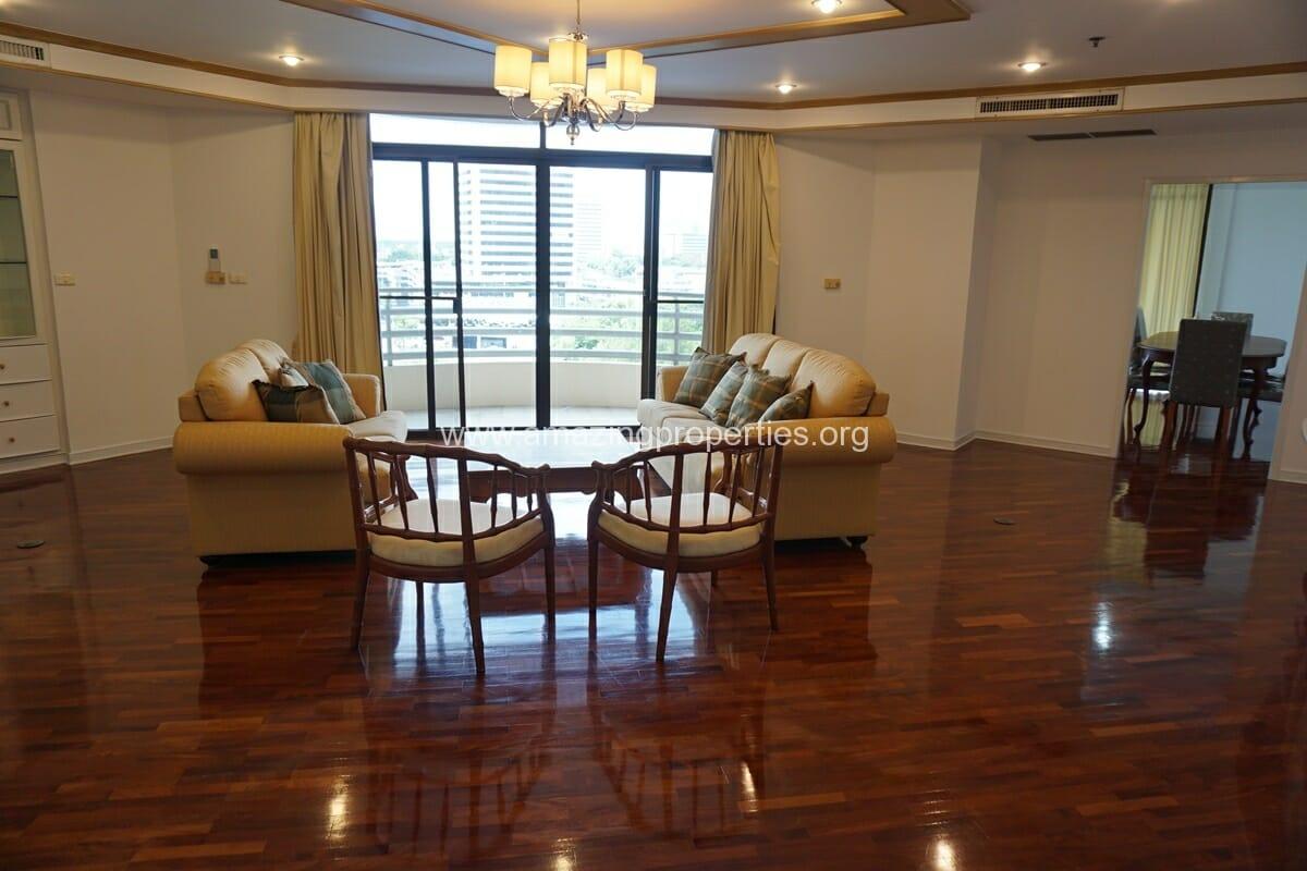 4 Bedroom Condo Ruamsuk Condominium-1