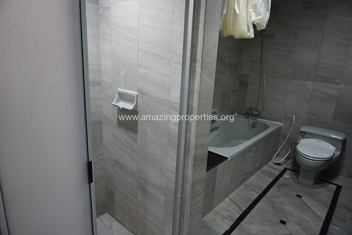 4 Bedroom Condo Ruamsuk Condominium-17
