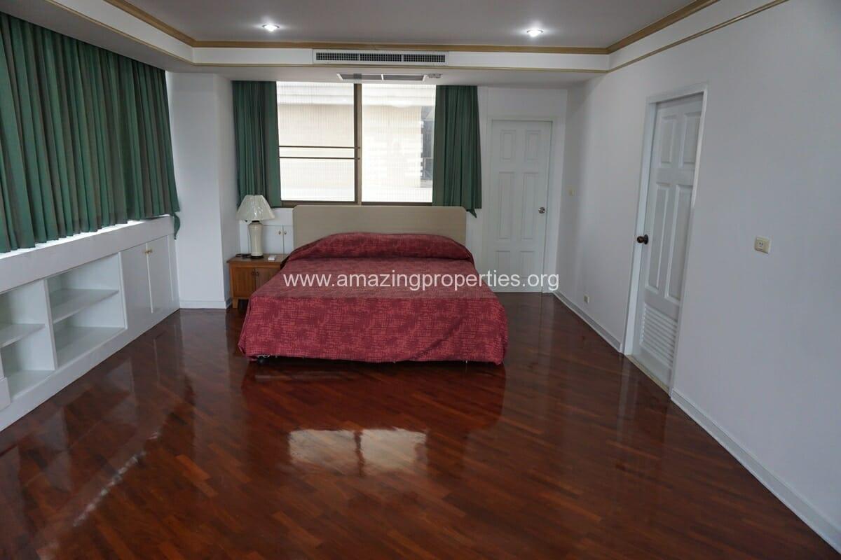 4 Bedroom Condo Ruamsuk Condominium-7