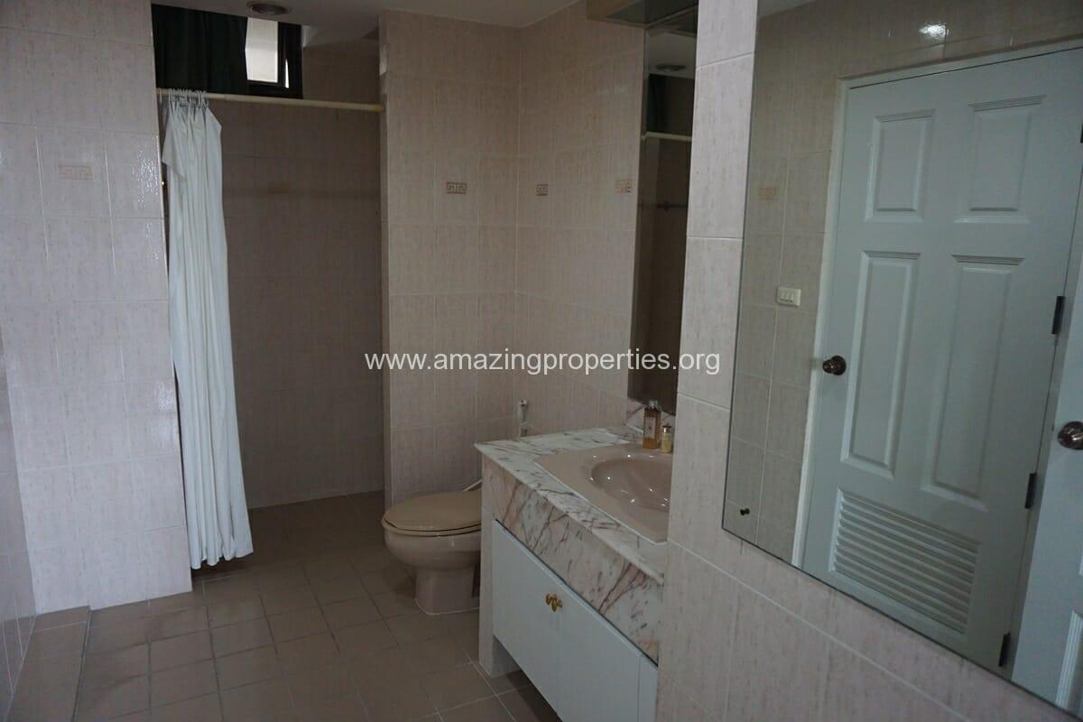 4 Bedroom Condo Ruamsuk Condominium-8