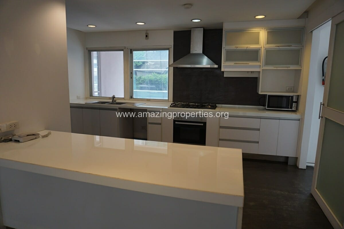 4 Bedroom Penthouse Siri Apartment (17)