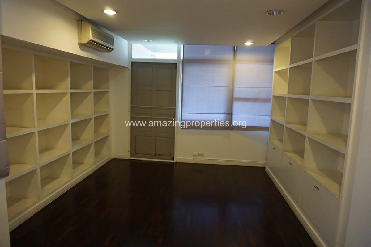 4 Bedroom Penthouse Siri Apartment (25)