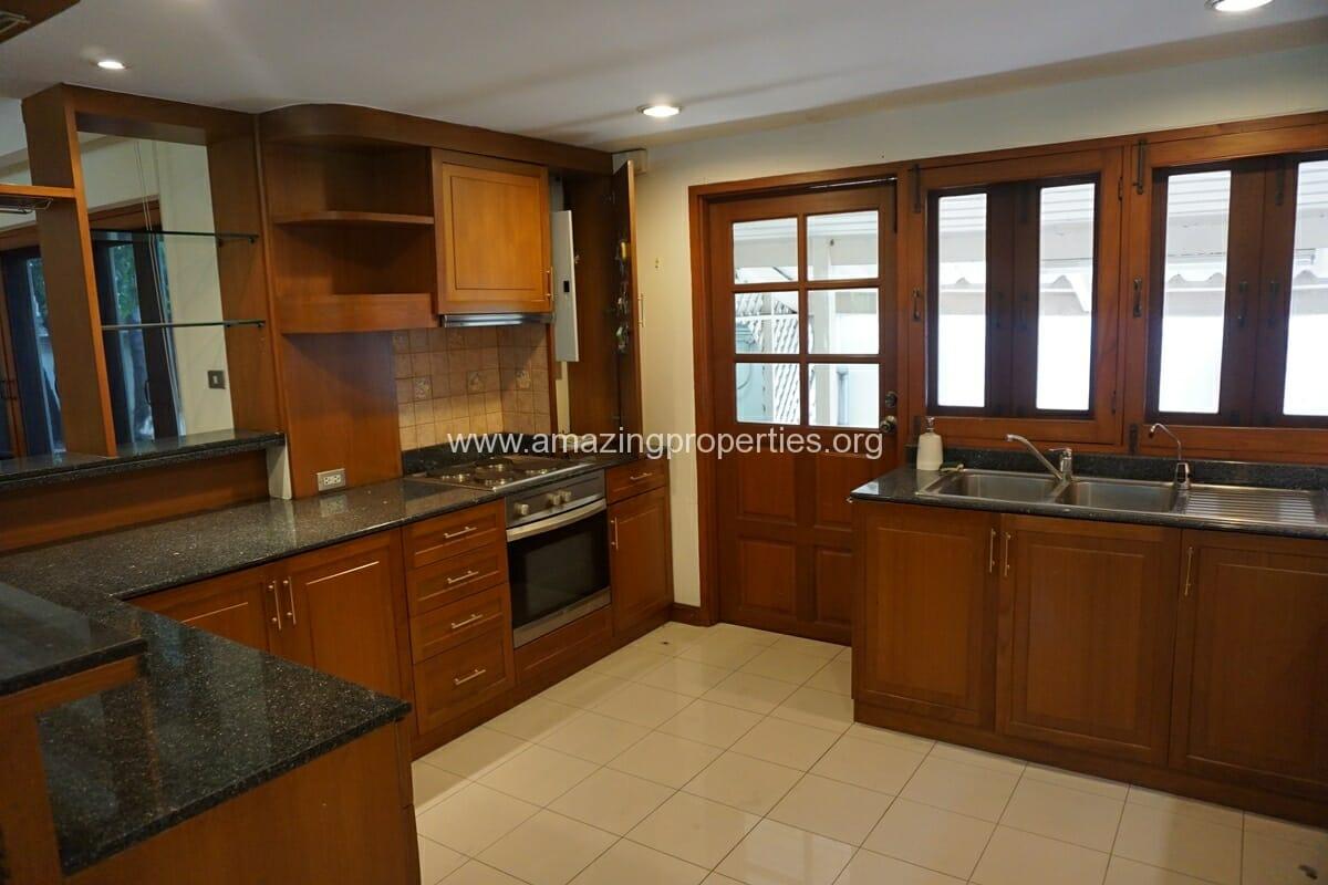 4 Bedroom Phrom Phong House-13