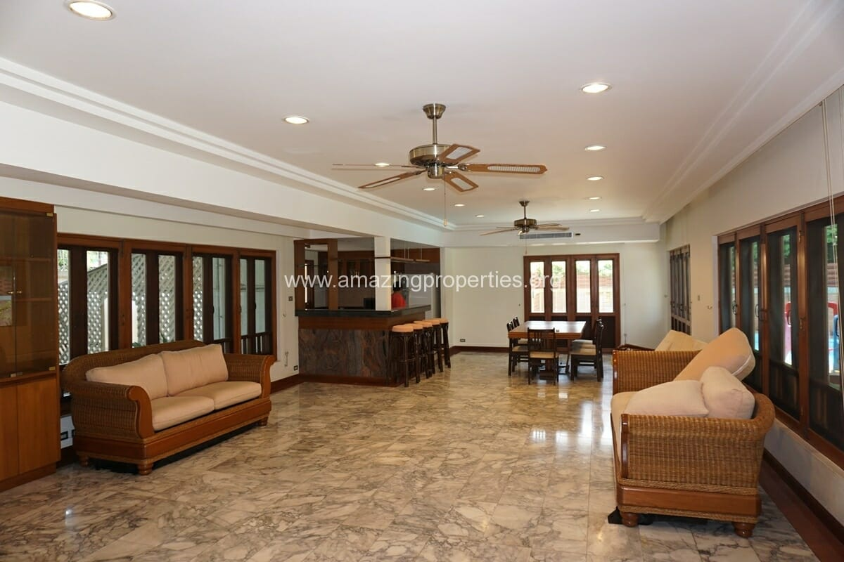4 Bedroom Phrom Phong House-18