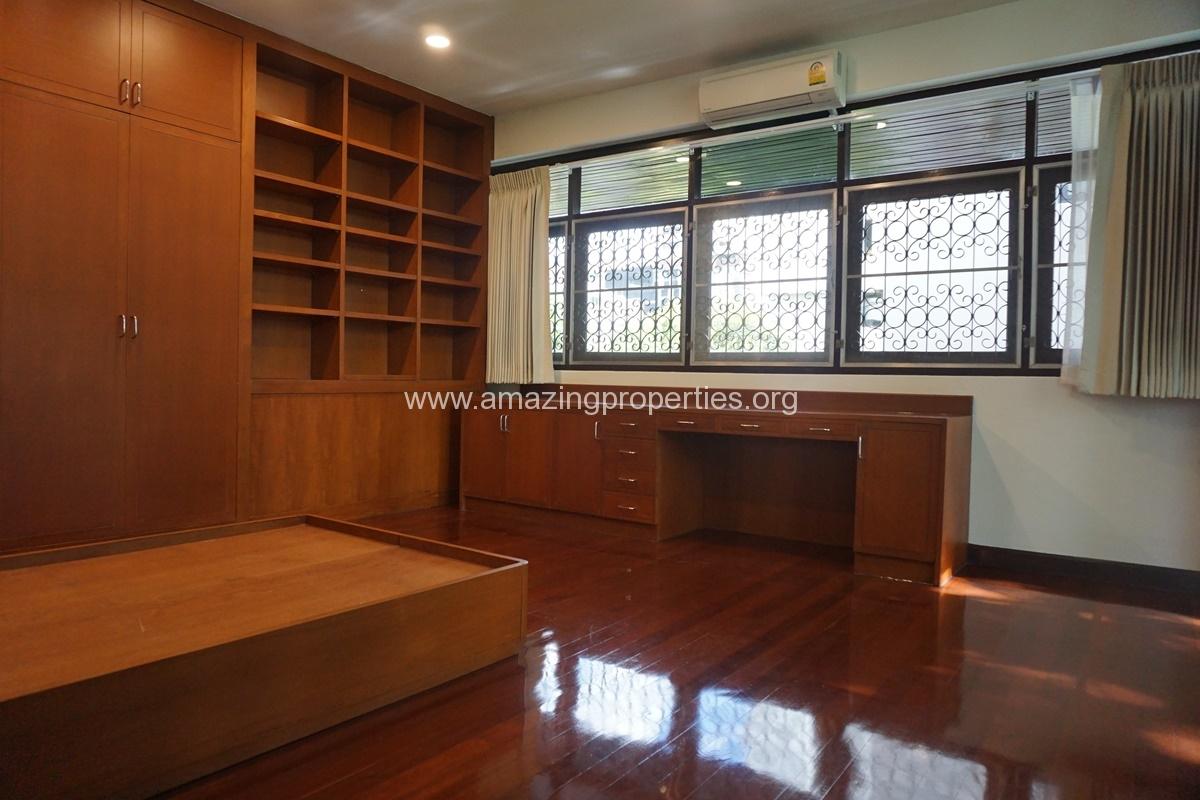 Nana 3 Bedroom House for Rent-10