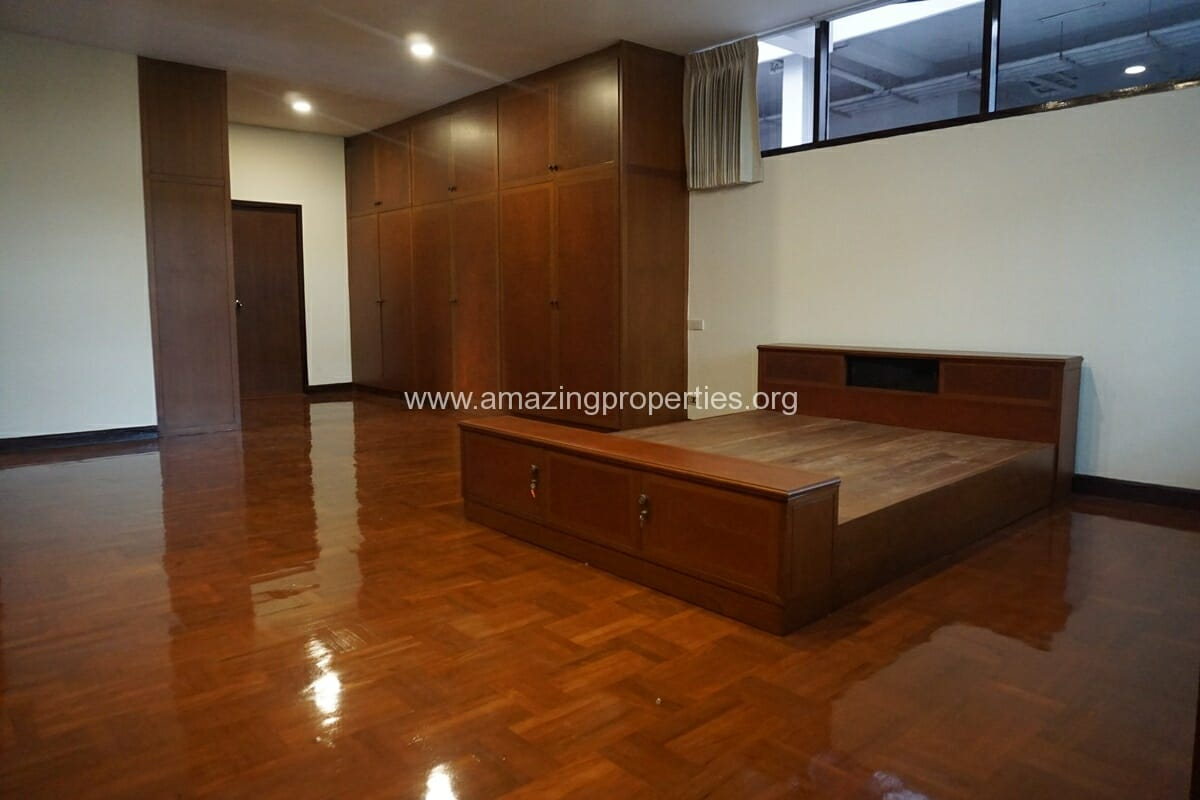 Nana 3 Bedroom House for Rent-17