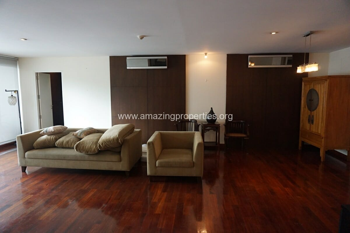 2 Bedroom condo Urbana Sukhumvit 15 for Rent