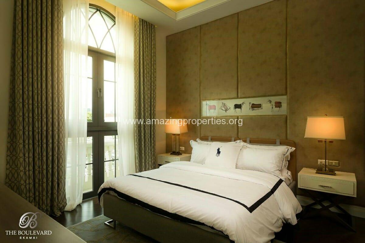Ekkamai 4 bedroom house for sale 10 amazing properties for 10 bedroom house for sale