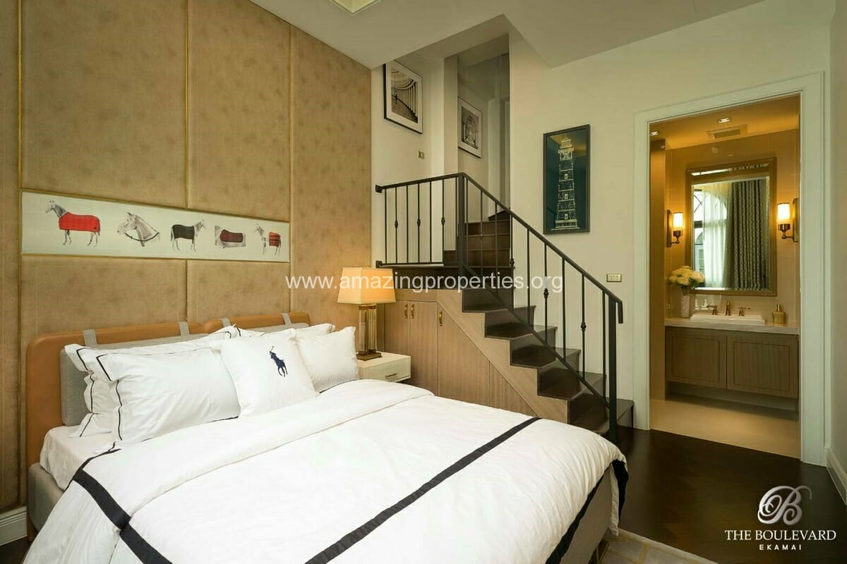 Ekkamai 4 Bedroom House for Sale-11