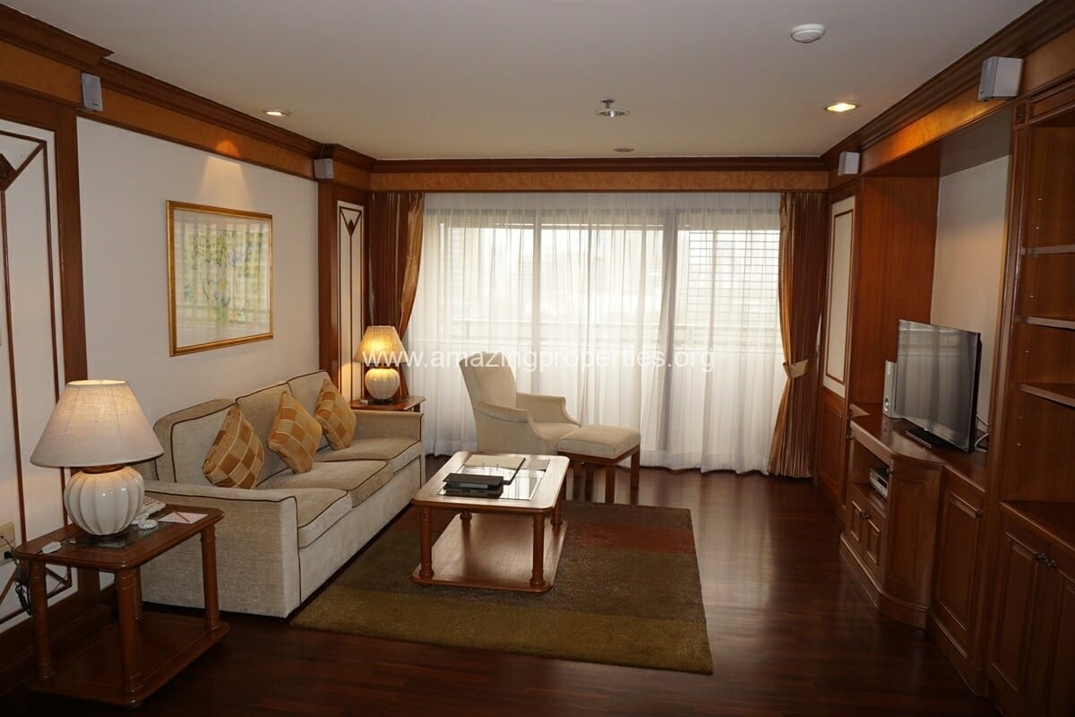 Executive Suite Bliston Chidlom-1
