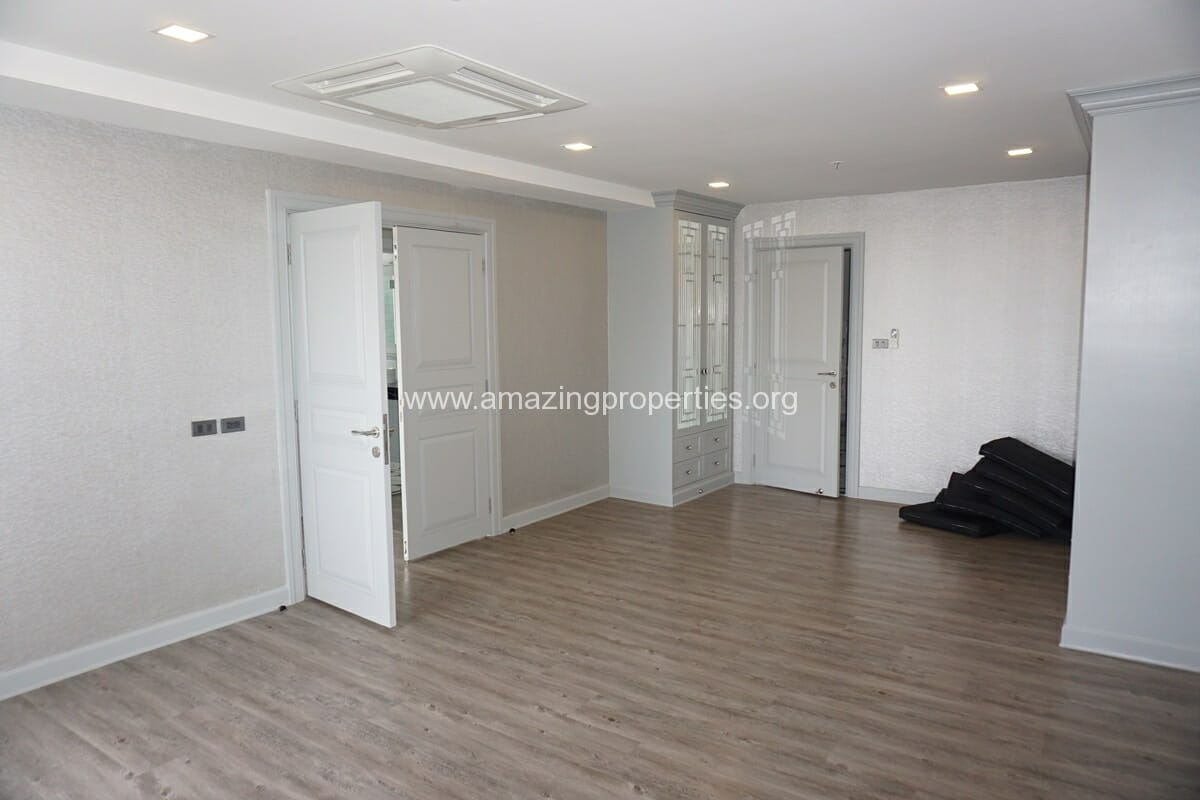 Kiarthanee Mansion Penthouse for Rent-11