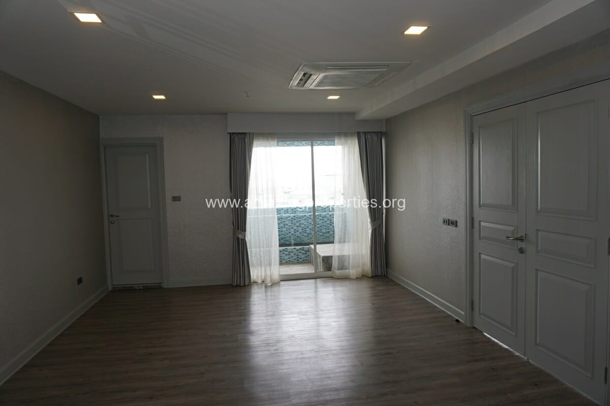 Kiarthanee Mansion Penthouse for Rent-14