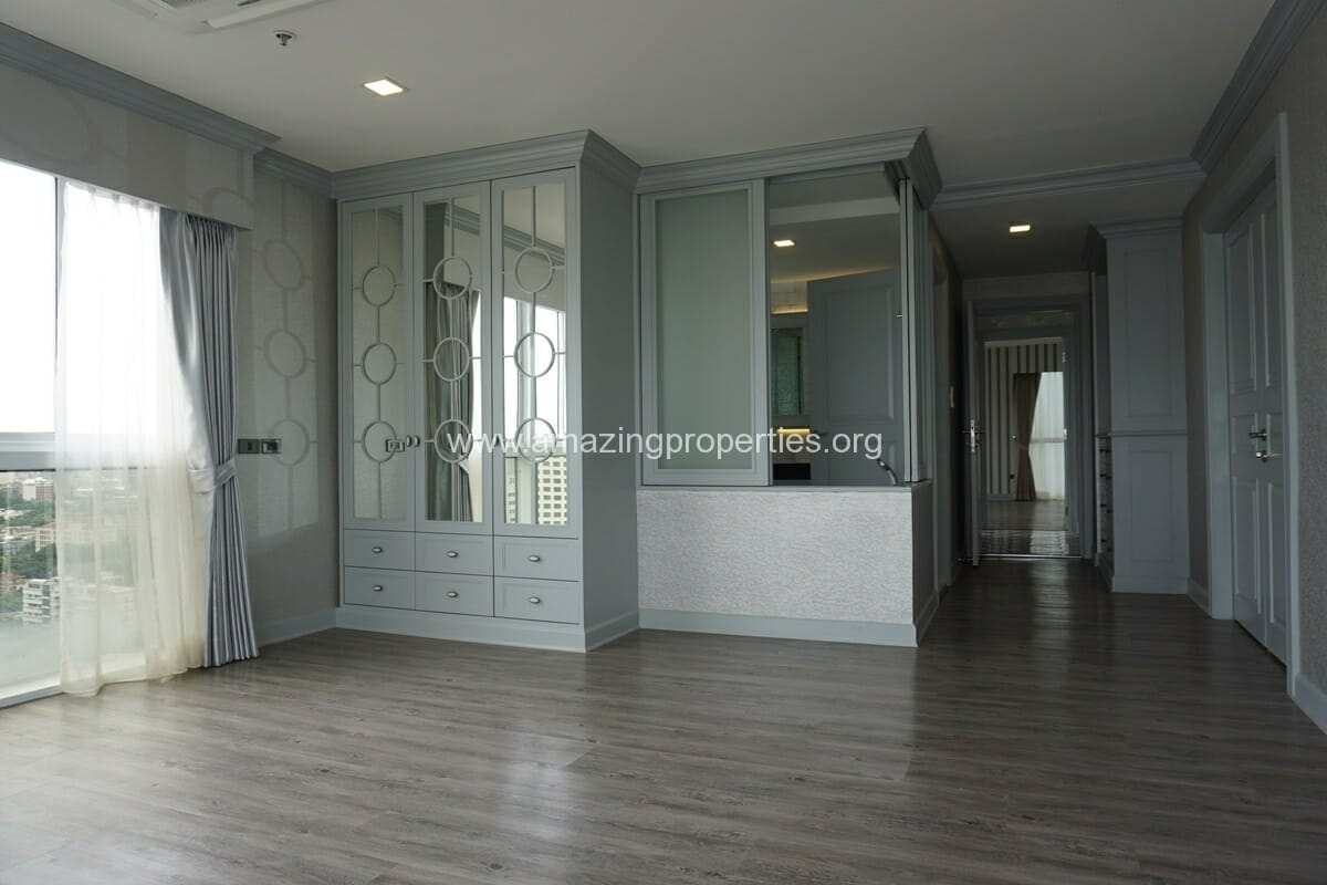 Kiarthanee Mansion Penthouse for Rent-18