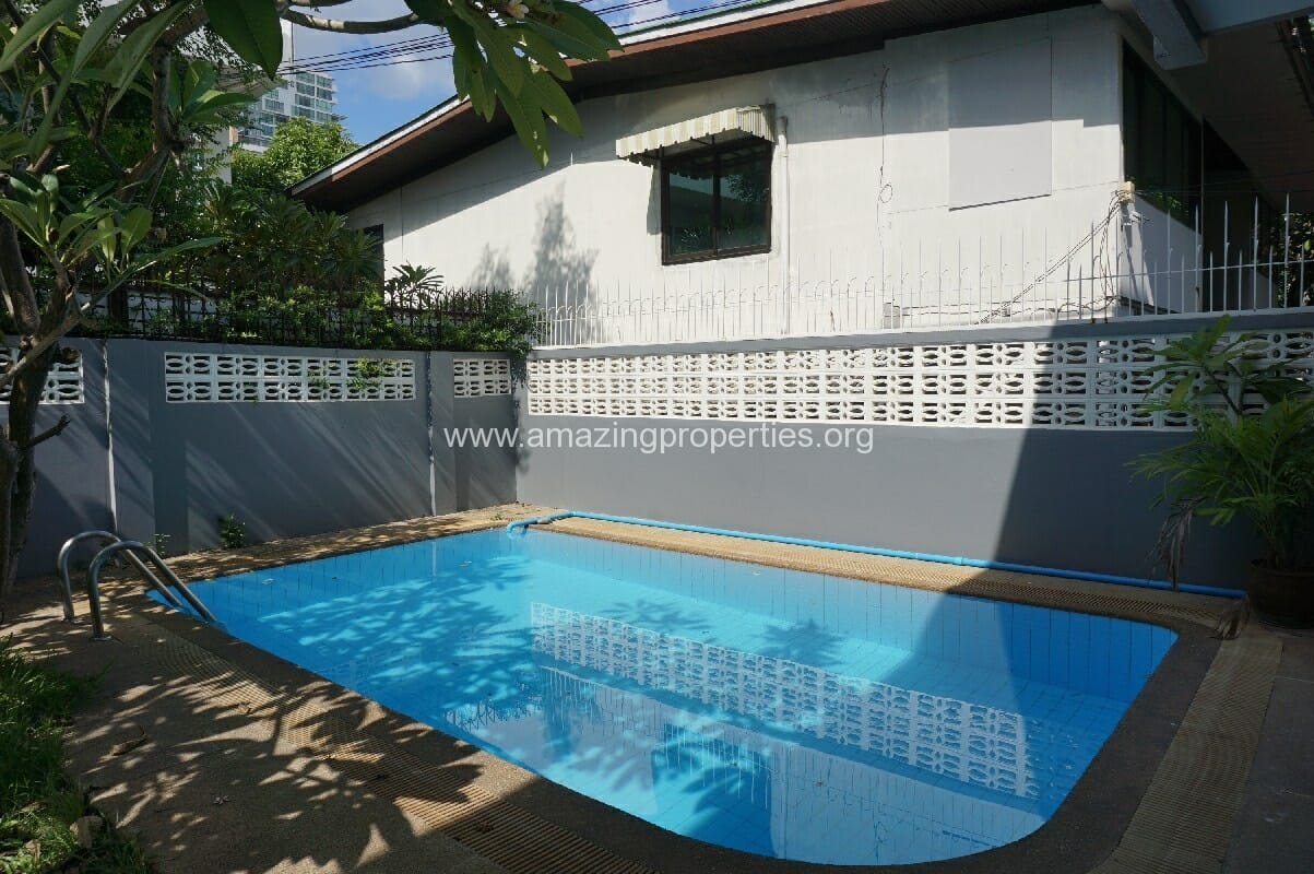 Phrom Phong House for Rent-1