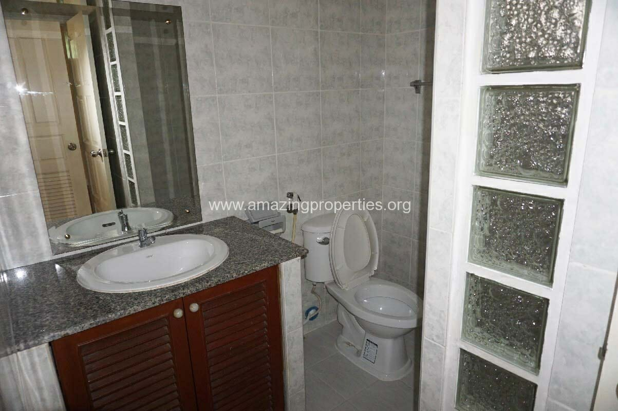 Phrom Phong House for Rent-11