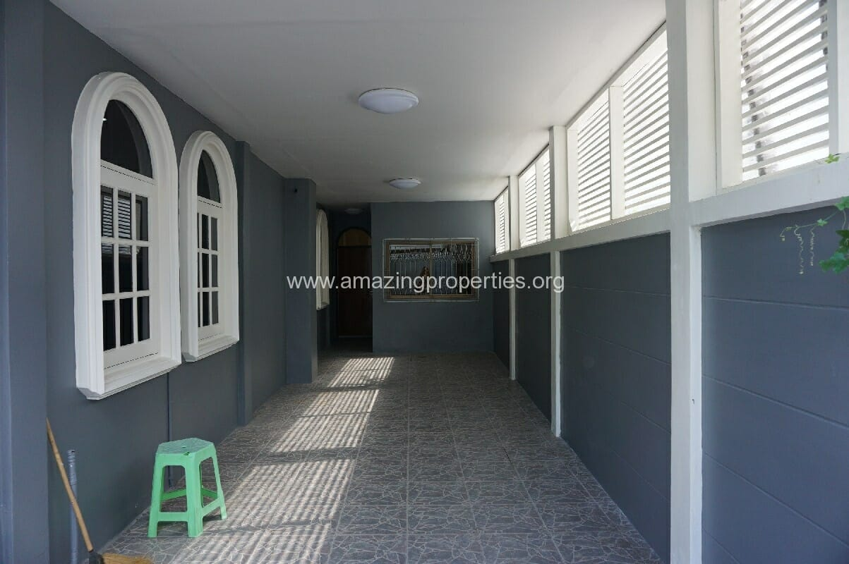 Phrom Phong House for Rent-16