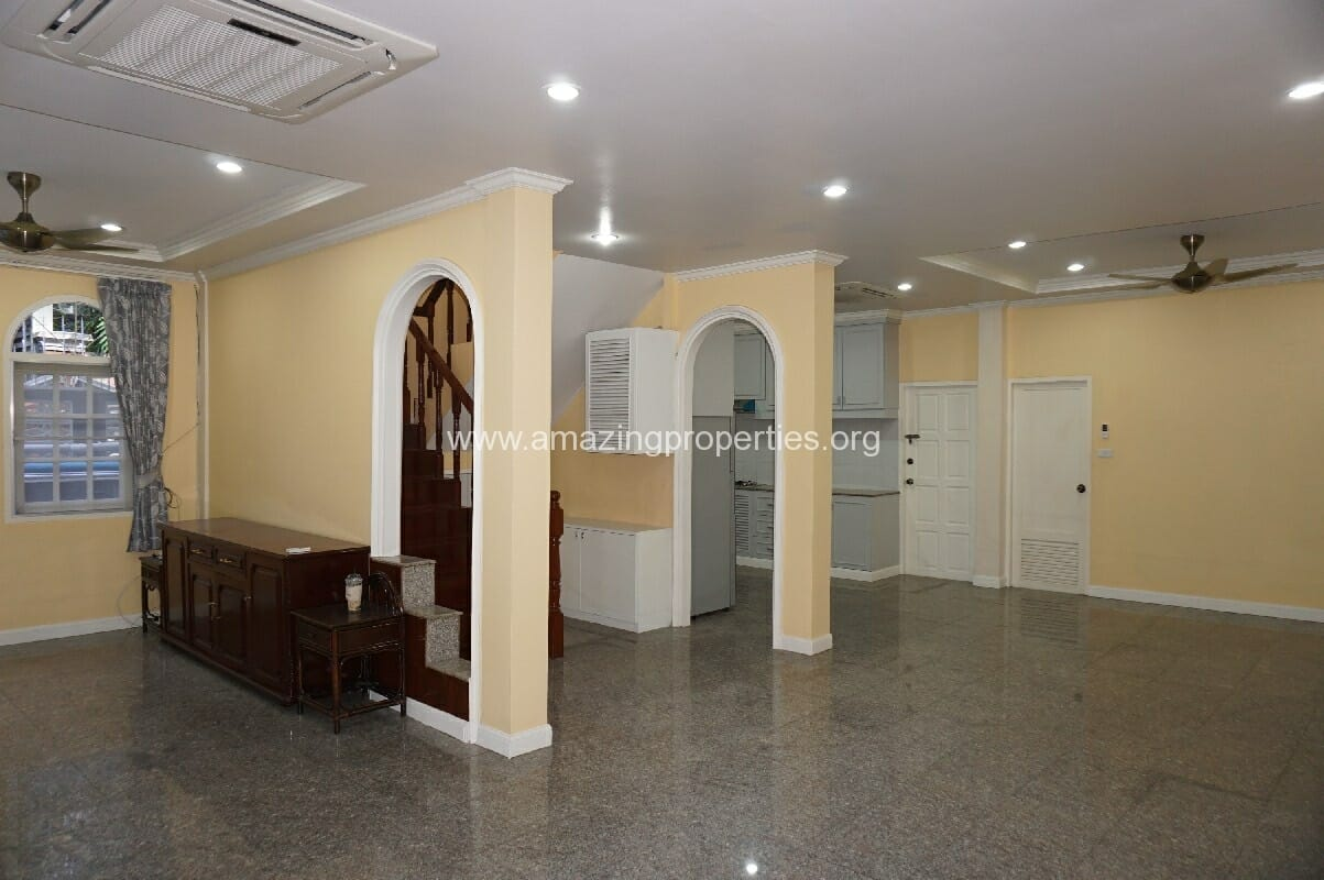 Phrom Phong House for Rent-4