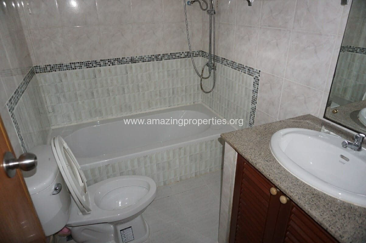 Phrom Phong House for Rent-7