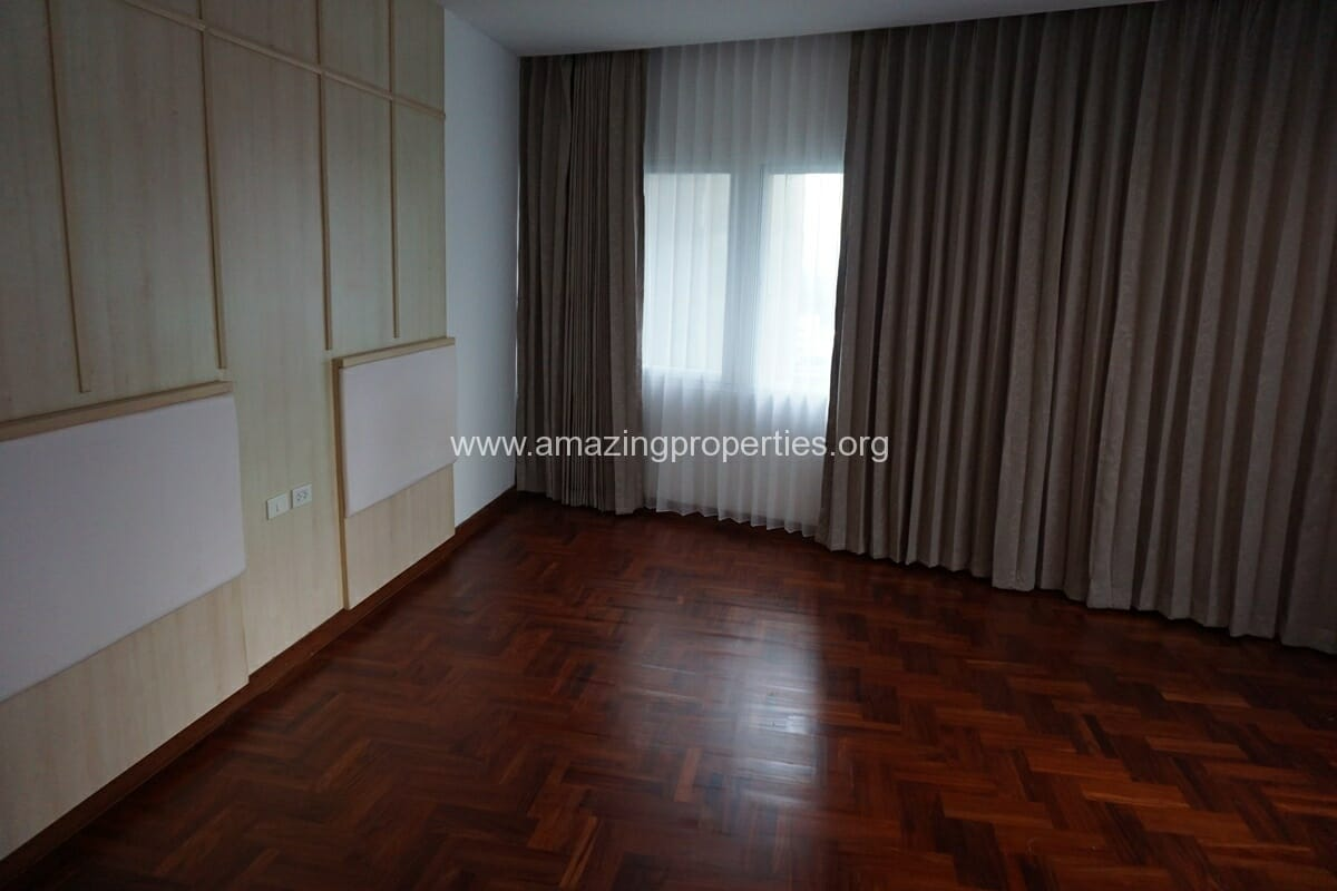 3 Bedroom Apartment The Grand Sethiwan-13