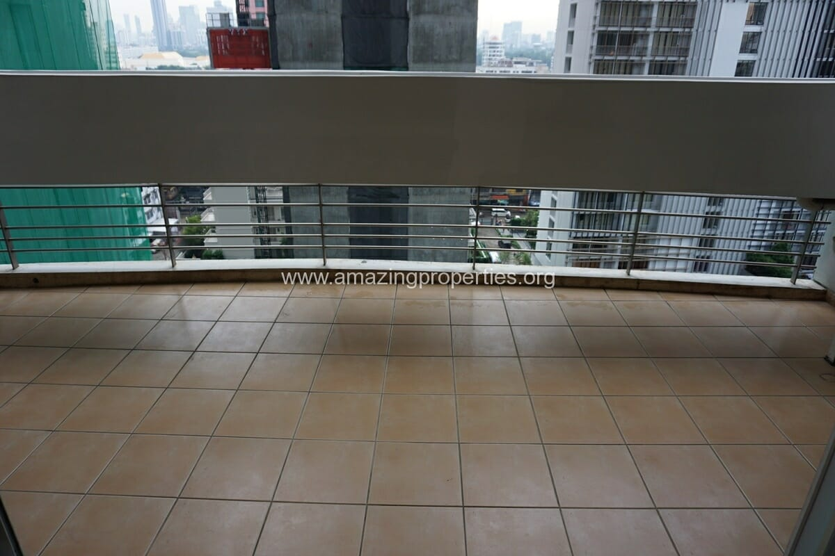 3 Bedroom Apartment The Grand Sethiwan-3