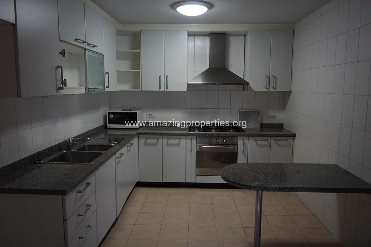 3 Bedroom Apartment The Grand Sethiwan-9